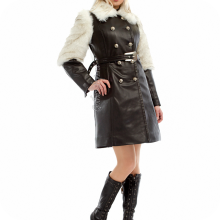 Зимнее кожаное пальто с мехом и поясом